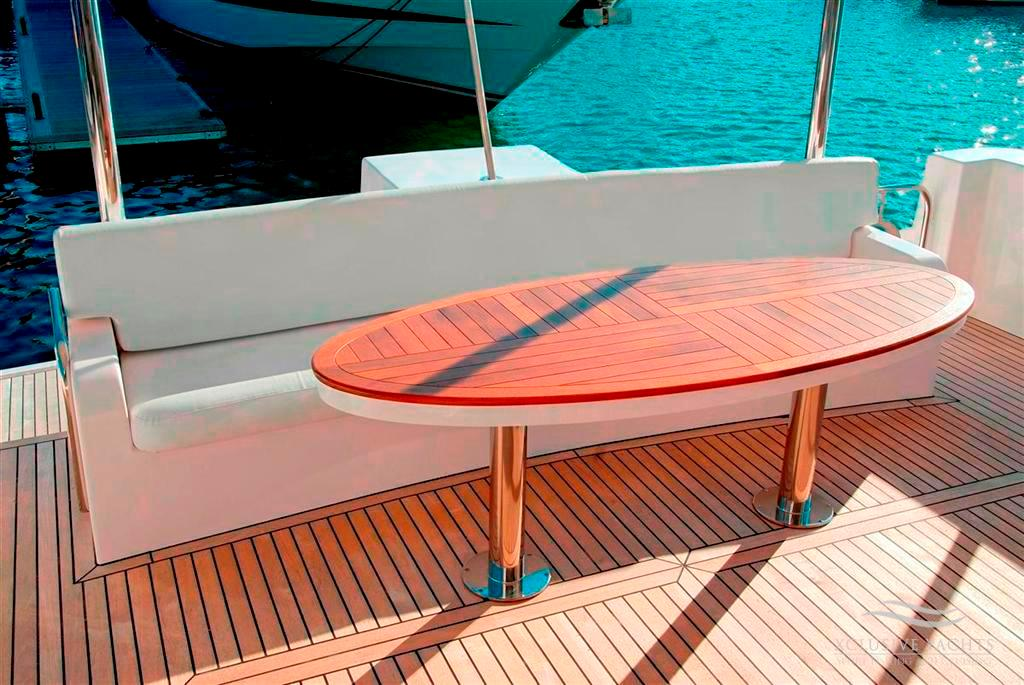 onboard - 86ft-luxury-yacht- yacht for rent in dubai
