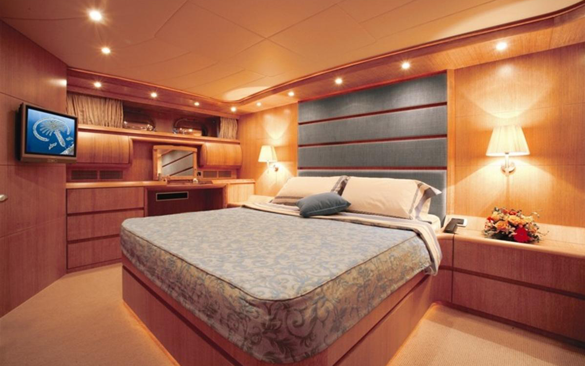 master cabin of a yacht