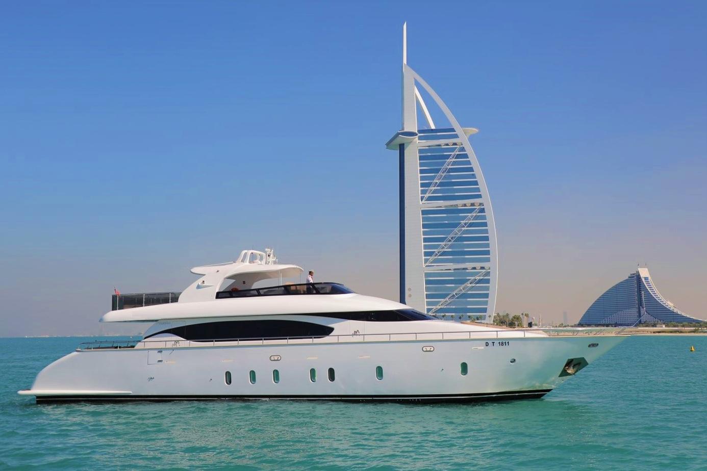 96 Ft - Maiora - Versace Yacht